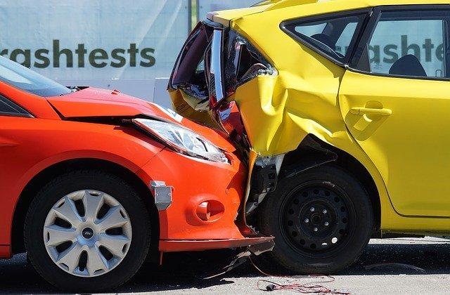 Moet iedereen verplicht een autoverzekering afsluiten?